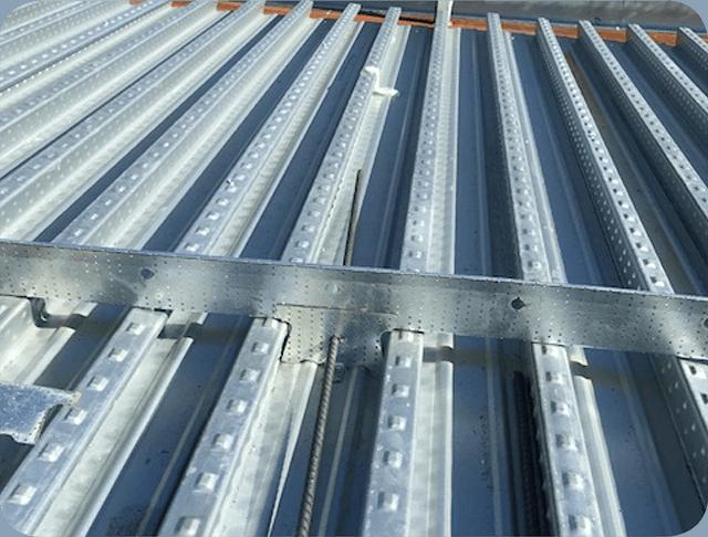steel-framed-building-640x486